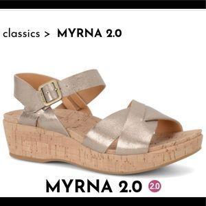 Kork-Ease Myrna platform soft gold sandal